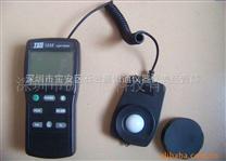 TES1335台灣泰仕照度計TES-1335數字式照度計TES 1335數字光度計